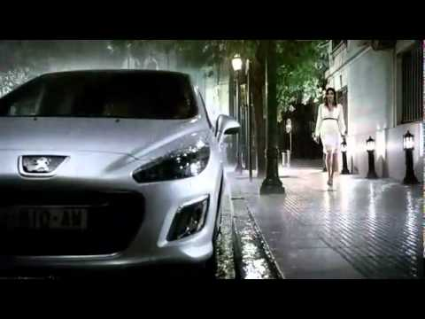 Anuncio Spot Peugeot 308. Show Character. Walking in the Rain. Marzo 2011