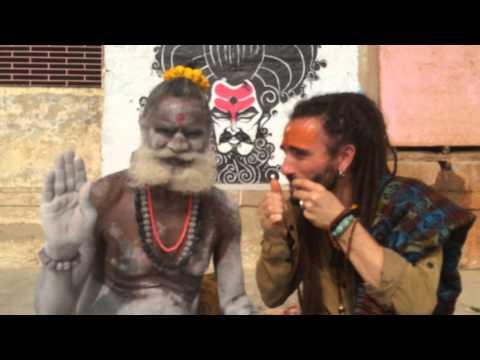 Trompe mapuche (Jaw Harp) with Sadhu Baba at Ganga River,Varanasi