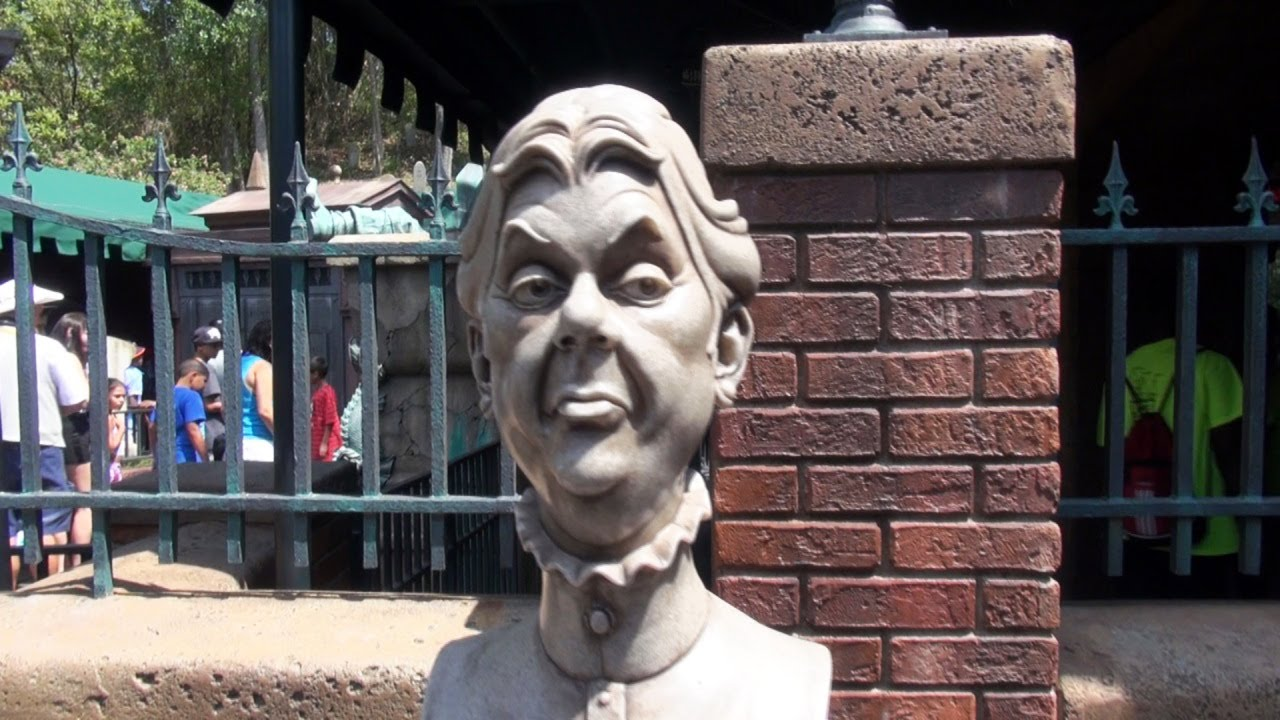 disneys haunted mansion interactive musical cemetery