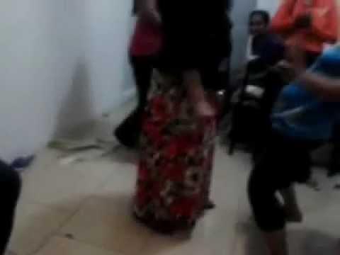 Lankawe Wesiyo Kuwait Eke Kasippu Gahala Natana Heti Part-04 video