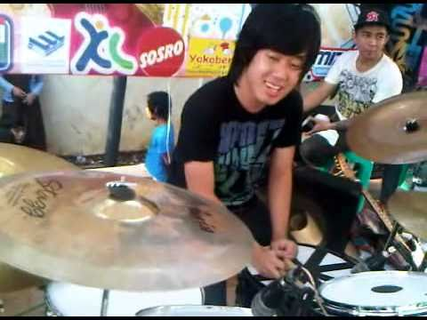 Rudye drumming for Killing Me Inside - The Tormented