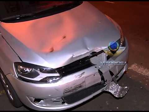 Motorista com suspeita de embriagues provoca acidente e foge