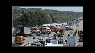 Autoroute A7 : trois personnes tuées dans un accident spectaculaire