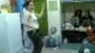 رقص در خوابگاه دخترانه شیراز