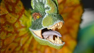 Horizon 1993 Jurassic Park Dilophosaurus Unboxing