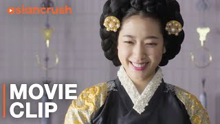 She's married to the king, but her bold tailor makes her smile | Park Shin-hye in 'The Royal Tailor'