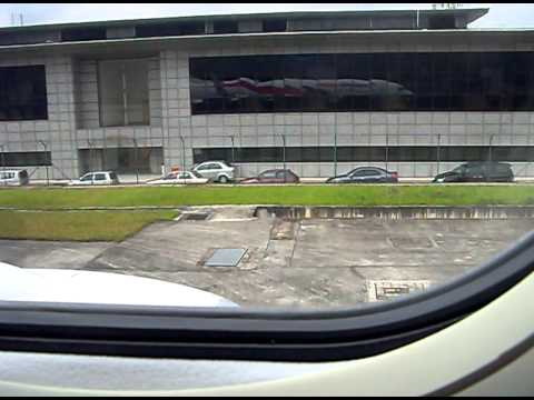 Malaysia Airlines new Boeing 737-800 Taxi to Runway 32R KLIA