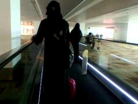 New Delhi Indhra Ghandi International Air Port Esculator more usefull for passenger/India/Chennai/Saudi Arabia