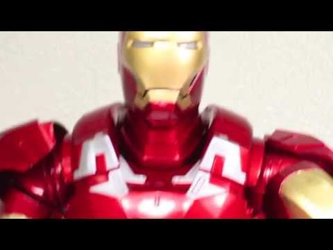 The Avengers NECA Mark VII Iron Man 1/4 Scale Collectible Figure Review