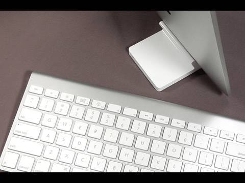 iPad and Bluetooth Keyboard + Dock vs Apple Keyboard Dock (Review)