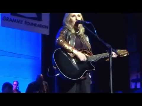 Melissa Etheridge - Lean On Me