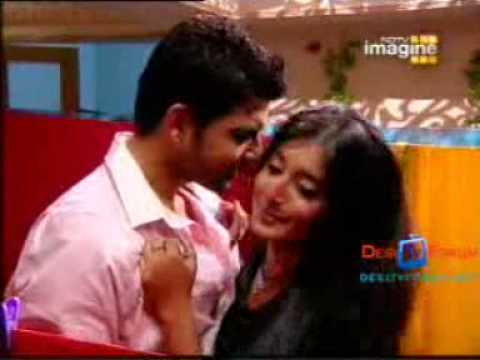 Kitni Mohabbat Hai Arohi Kisses Arjun video