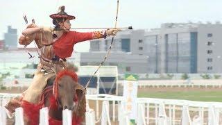 カザフで日本の流鏑馬披露