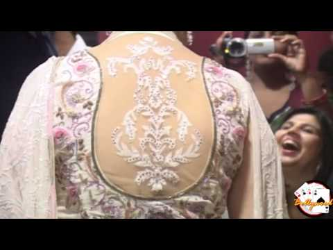 Sexy Manisha Koirala Back Show At Bhoot Returns Premiere video