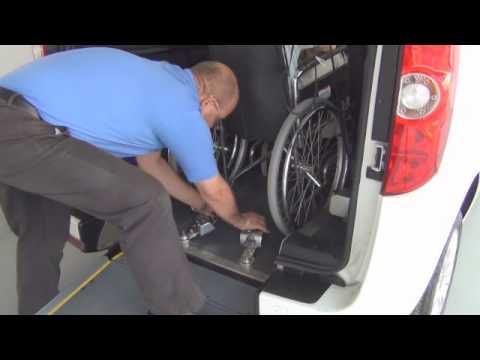 Fiat doblo adaptado para silla de ruedas con rampa for Sillas para discapacitados