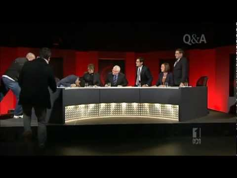 Events As They Unfolded 9:36pm AEST: In response to an audience question about the carbon tax, the ALP's Greg Combet commences upon a rambling and tedious re...