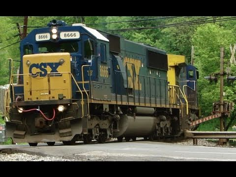 CSX 8666 & 434 Rescue Broken Down 8129