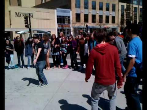 Madison Busking Mov
