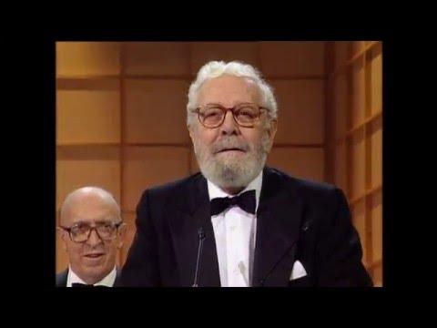 Luis García Berlanga se alza con el Goya a Mejor Director en 1994