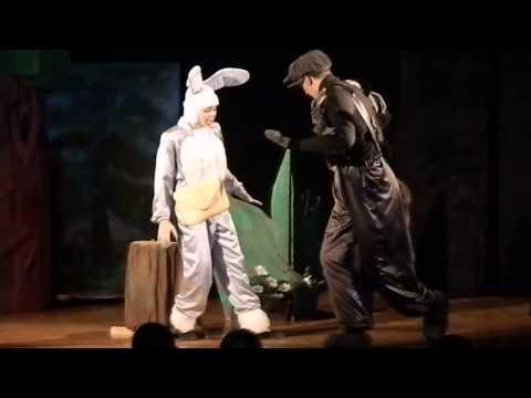 встреча зайца и волка. Узловский молодёжный театр.
