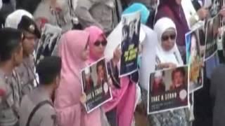 Ratusan umat Islam gelar dukungan warga Aleppo didepan Kedubes Rusia & Iran - iNews Malam 19/12