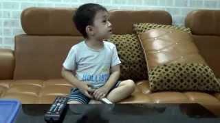 Bé Subin 3 tuổi Hát Karaoke bài Cháu lên ba, Cháu đi mẫu giáo