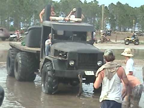 Redneck Yacht Club Memorial Weekend 2009 Mud Hole Video