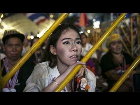 Photos of the Day - Thai Protests Battle Elections