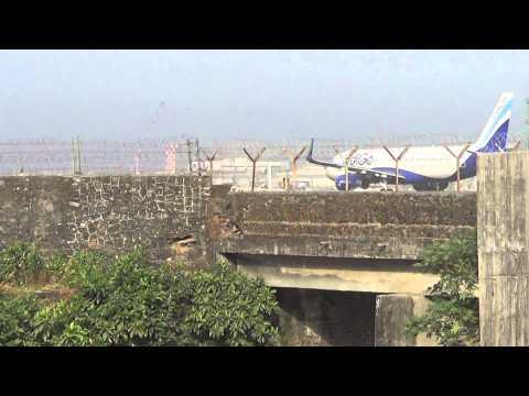 SPICEJET BOEING 737 & INDIGOA A320 AT MUMBAI AIRPORT(CSIA)