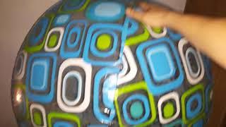 2 gigant beach ball deflating