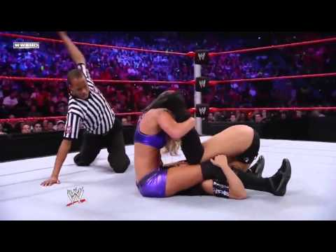 WWE kelly kelly vs gail kim