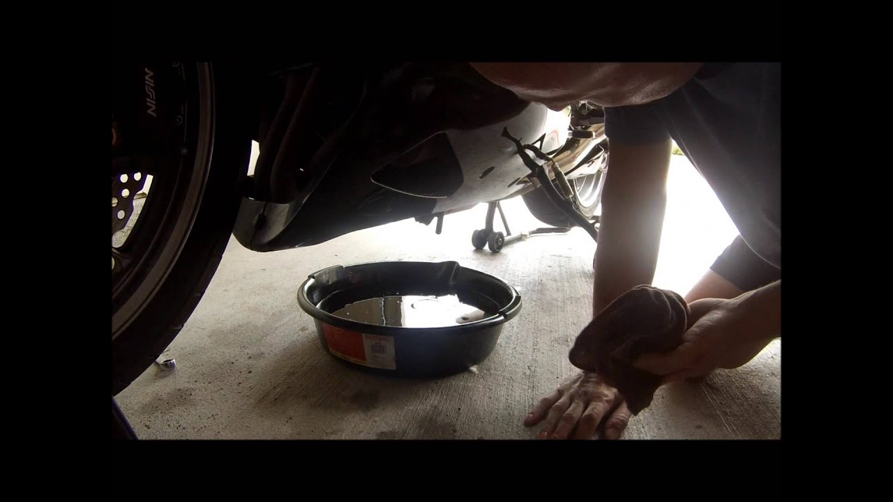 Oil Change 2007 ZX-14 - YouTube