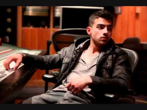 Joe Jonas Sexiest Pictures of 2011