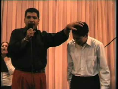 Profeta Hernan Acosta en el Templo Bíblico Maranatha