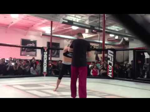 More Ronda Rousey from the UFC 157 Open Workouts