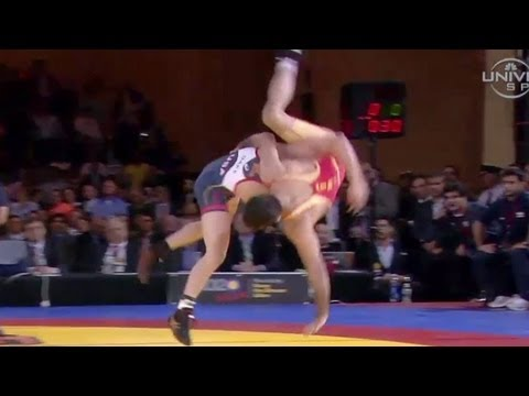 Kyle Dake beats Tahmasebi in Rumble - Universal Sports