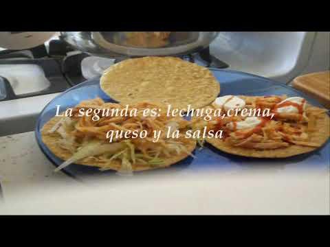 Tinga de pollo para tostadas-Comida Mexicana