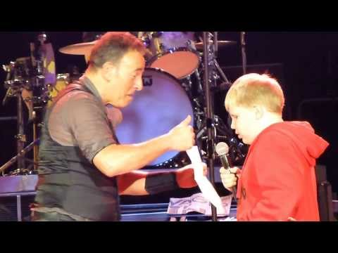 Bruce Springsteen 2013-05-08 Turku - Kid rapping during Sunny Day
