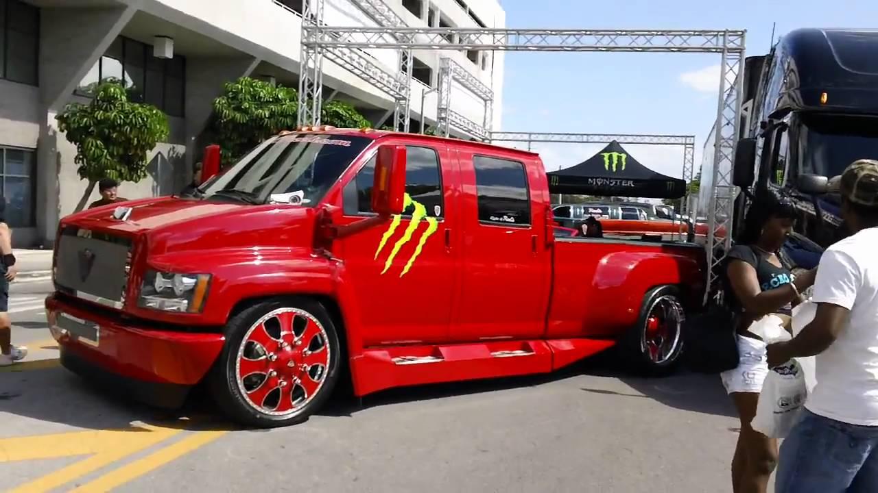 Carros De Calle 8 Monster Y Dub Autotrader Latino Youtube