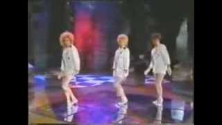 Watch Flirts Dancin