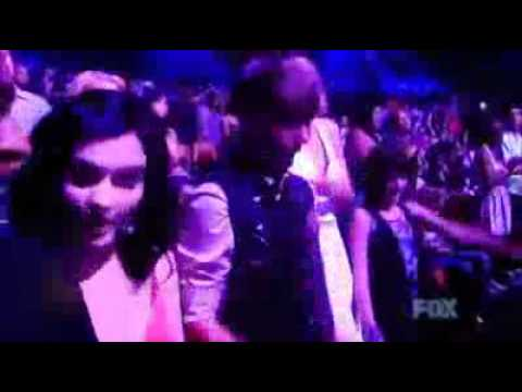 JUSTIN BIEBER BAILANDO Y CANTANDO LOVE YOU LIKE A LOVE SONG -SELENA GOMEZ