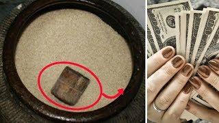 """Lén """"vùi"""" thứ này xuống hũ gạo, 1 tuần sau tiền đổ về như thác, đang nghèo hóa đại gia"""
