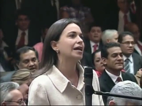 María Corina Machado al Presidente Chávez en la Asamblea Nacional: Expropiar es Robar, 13-1-2012