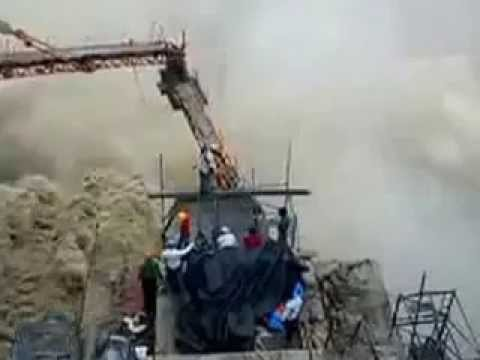 Flood gates of dam opened live video   Flood situation worsens in Uttarakhand june 2013