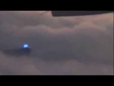 Incredible DAYTIME UFO Sighting -2013!