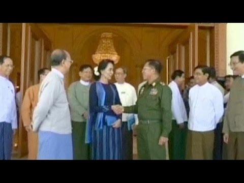 Myanmar, Parlamento discute su candidatura Aung San Suu Kyi alla Presidenza