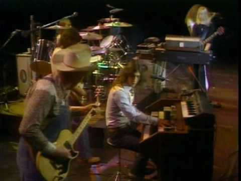 Kansas - Live - 1976 - Miracles Out Of Nowhere(Tulsa)