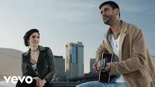 Melendi - Destino o Casualidad ft. Ha*Ash (Official Music Video)
