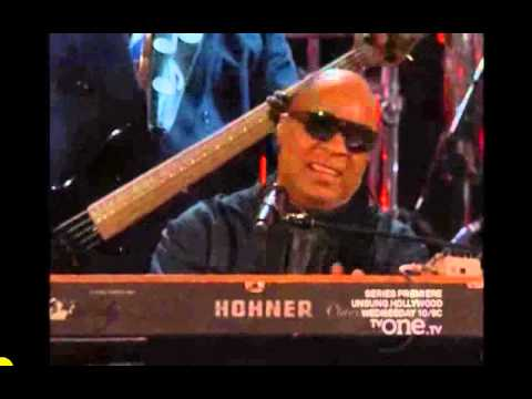Stevie Wonder at the 2014 NAACP awards klip izle