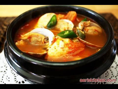 0 Korean Food: Spicy  Extra Soft Tofu Soup (순두부 찌개)